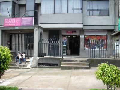 b3e0b08a710 ROSSI arte   hobby - Quito - AiYellow