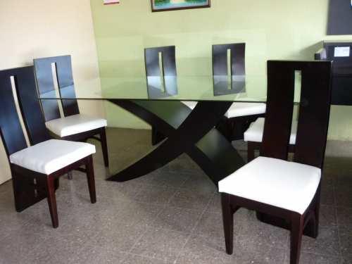 Juego de comedor lineal moderno for Modelos de comedores en madera y vidrio